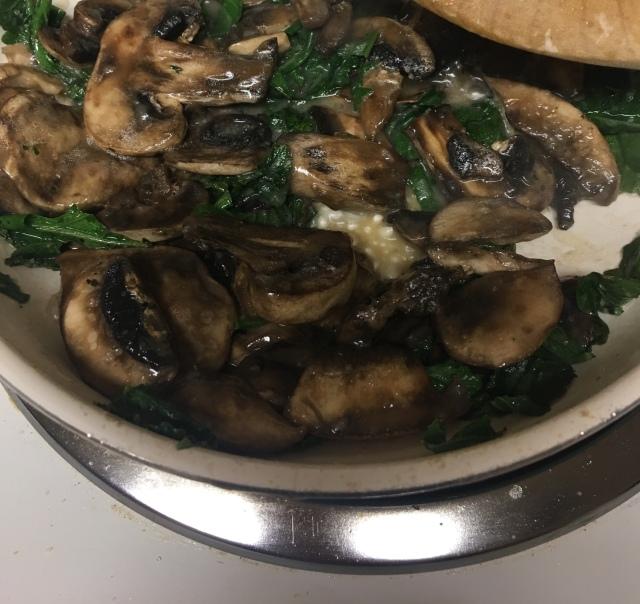 Sautéed mushrooms and bastard cabbage